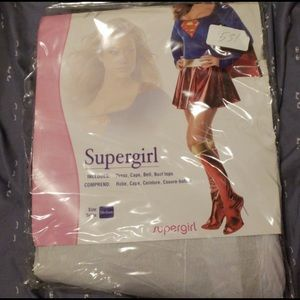 Supergirl costume Medium